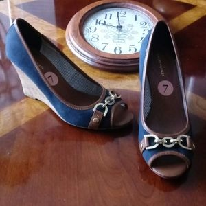 Tommy Hilfiger Navy Wedge Shoe size 7